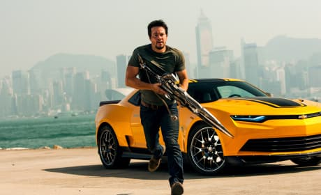 Mark Wahlberg Transformers Age of Extinction Still