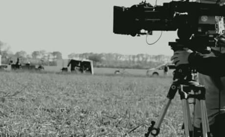 Looper Trailer Preview: Joseph Gordon-Levitt Teases Thriller