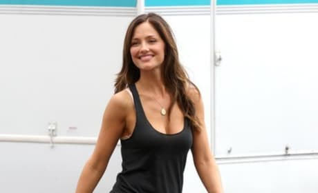 Minka Kelly on Set