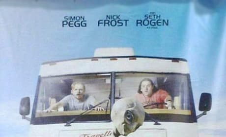 Simon Pegg and Nick Frost Have a Close Encoutner on the New Paul Poster!