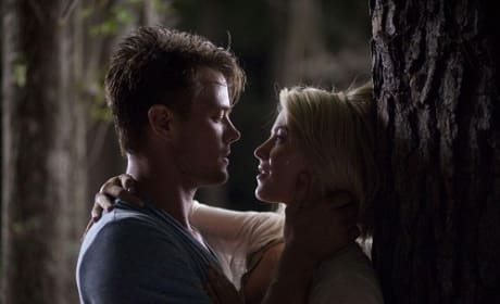 Julianne Hough and Josh Duhamel Safe Haven