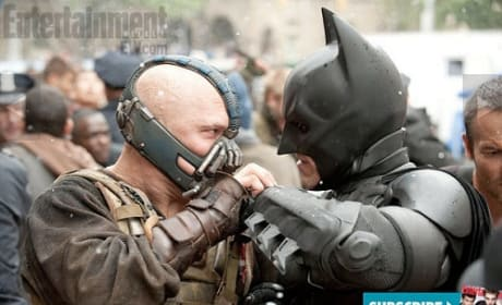 New Dark Knight Rises Images: Bane & Batman Battle