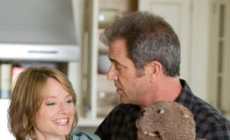 First Official Photo of Mel Gibson and Jodie Foster in The Beaver