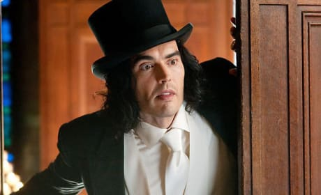 First Official Photos of Russell Brand in Arthur Released!