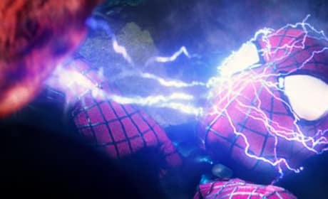 The Amazing Spider-Man 2: Spider-Man Gets Electrocuted