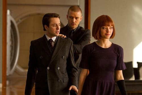 Amanda Seyfried and Justin Timberlake star In Time