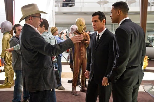 Barry Sonnenfeld Directs Will Smith and Josh Brolin on Men in Black 3