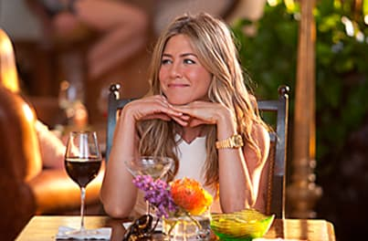 Jennifer Aniston Charms as Katherine in Just Go With It