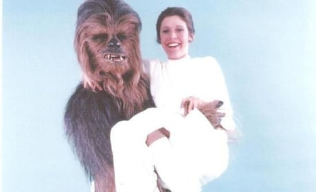 Star Wars: Chewbacca Lifts Leia