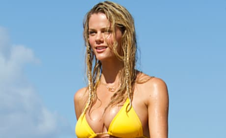Brooklyn Decker Paralyses in Just Go With It
