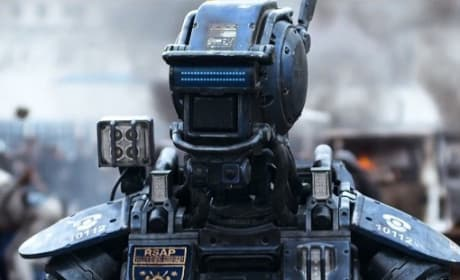 Chappie Trailer: I Am Alive!