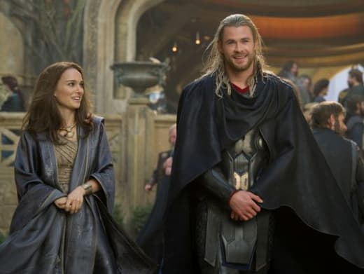 Thor The Dark World Chris Hemsworth Natalie Portman