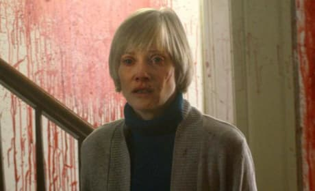 Horror Icon Barbara Crampton Talks We Are Still Here, Tight Knit Genre Community