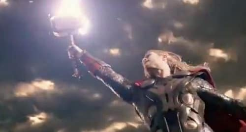Thor: The Dark World Chris Hemsworth Hammer
