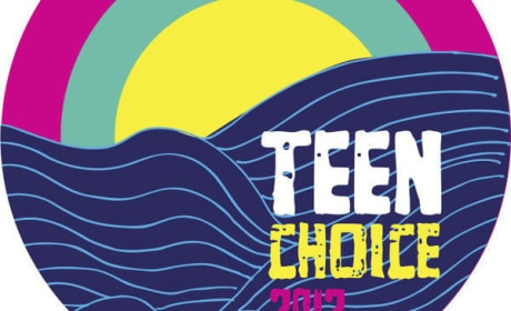 Emma Stone, The Hunger Games Win Big at Teen Choice Awards